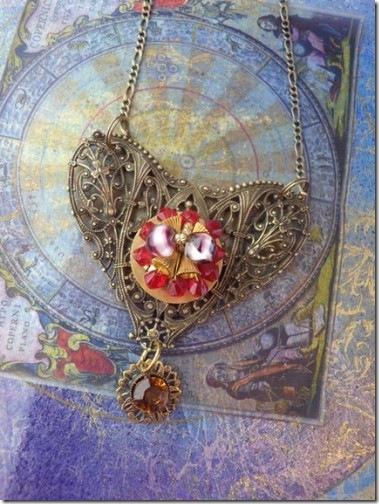 Queen of Heart necklace
